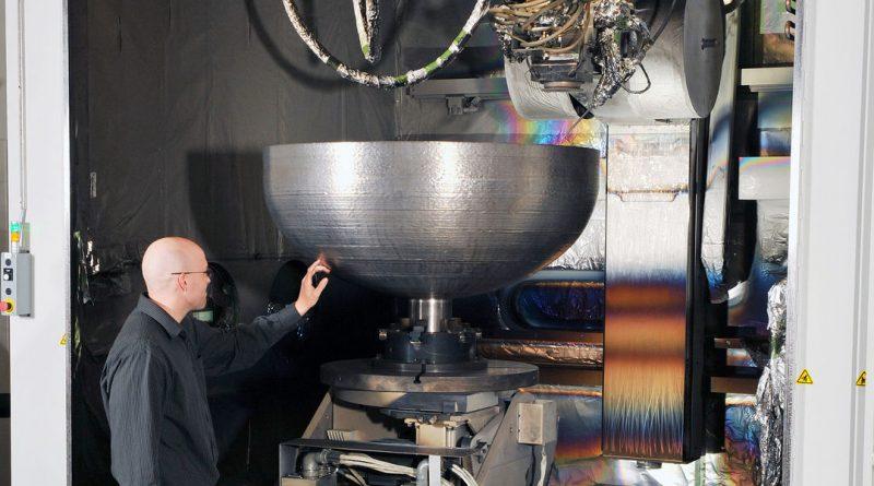 На 3D-принтере напечатали рекордный по размерам предмет — крышку для топливных баков спутника